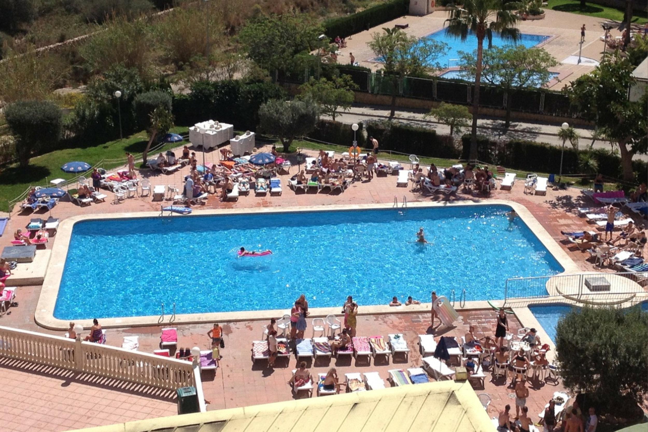 Pool Benidorm .jpg