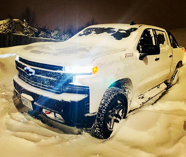 This truck loves the snow. Had to make my own spot at the Keg.