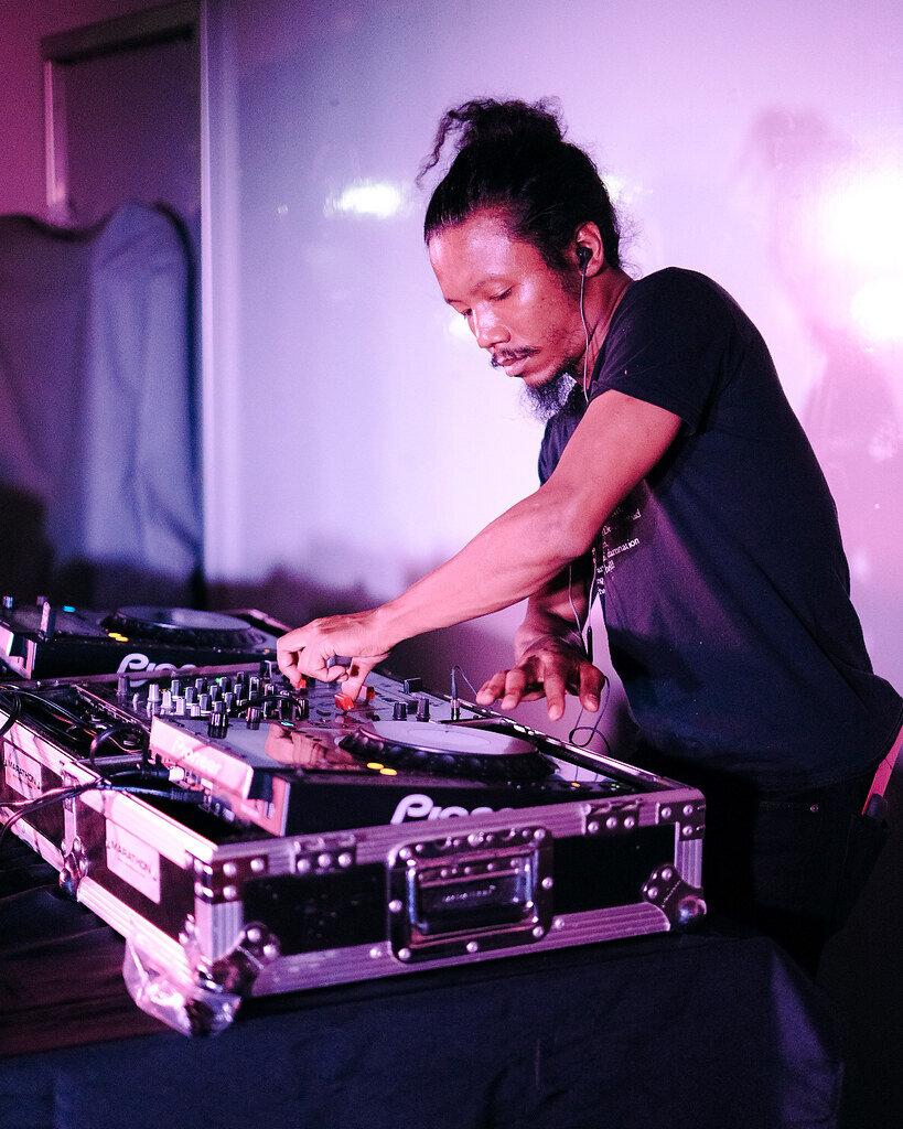DJ Shaun Smallwood aka Destruckshawn at the main stage. Photo by Joe Portugal.