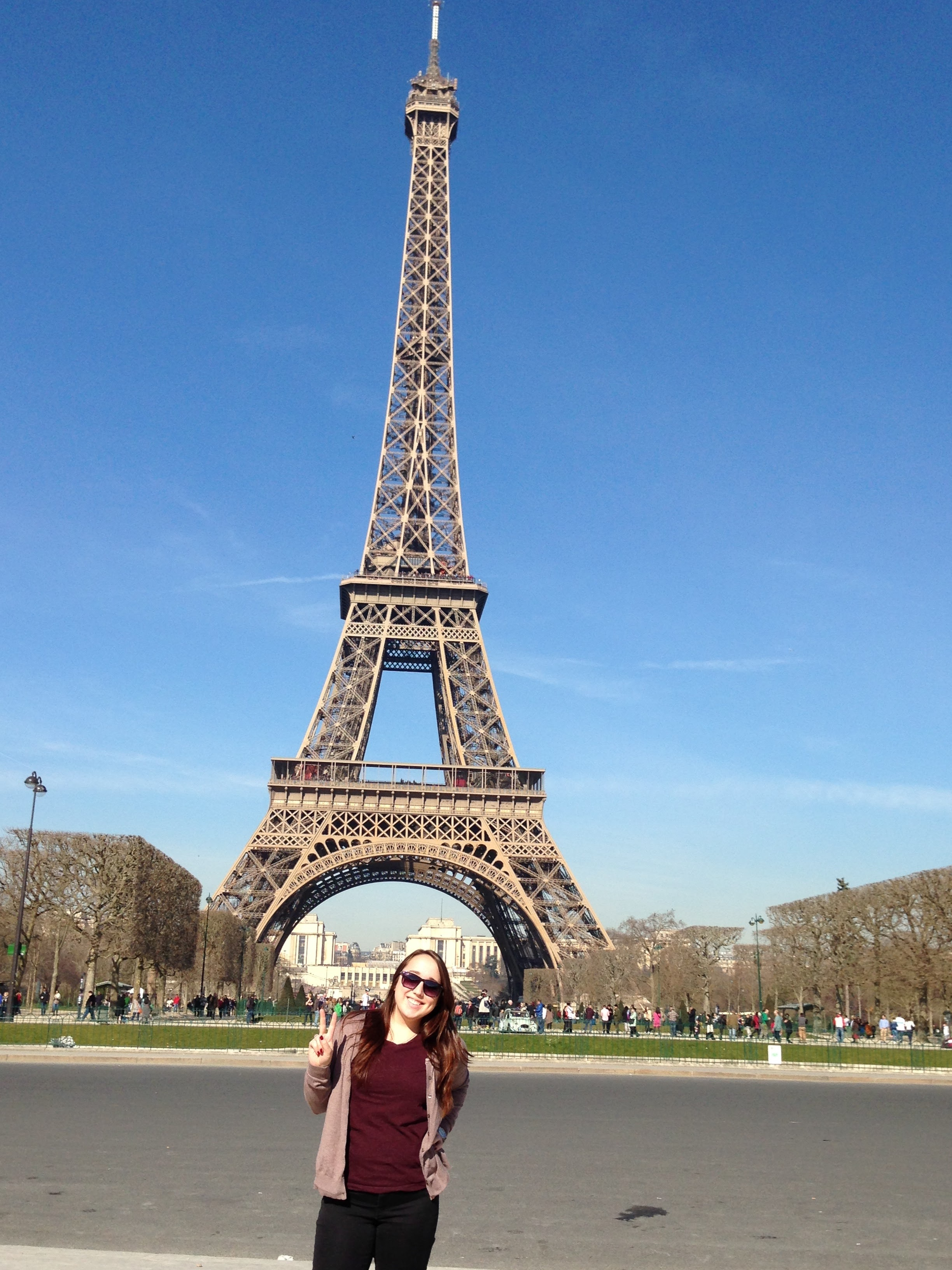 """I am not in the least bit ashamed of this super """"touristy"""" photo. I SAW THE EIFFEL TOWER DANGIT."""