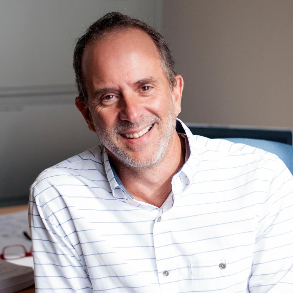 Jim Pettinelli, Host