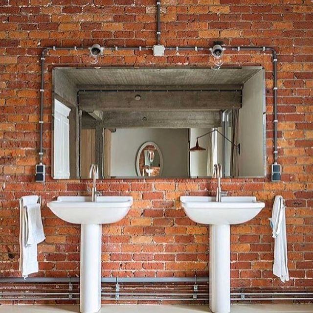 Don't you just love everything about this dreamy bricked-out bathroom? So perfect! 👌🏻 {📷: @adventuresofvintageamerica } www.VintageBricks.com