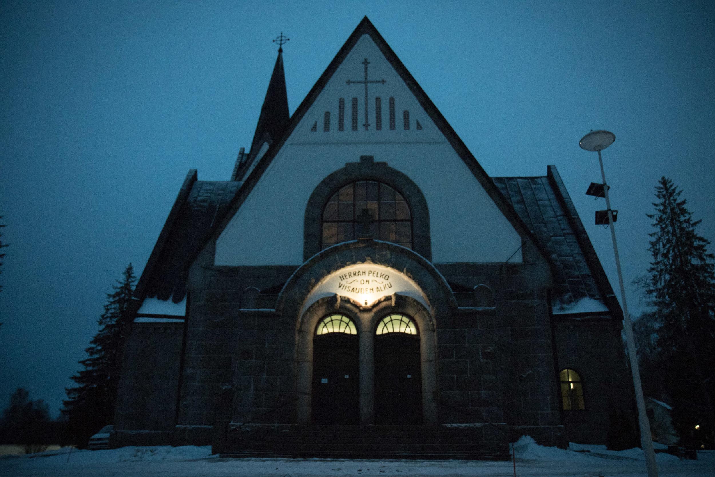 Kirkko-joulukuu2.jpg