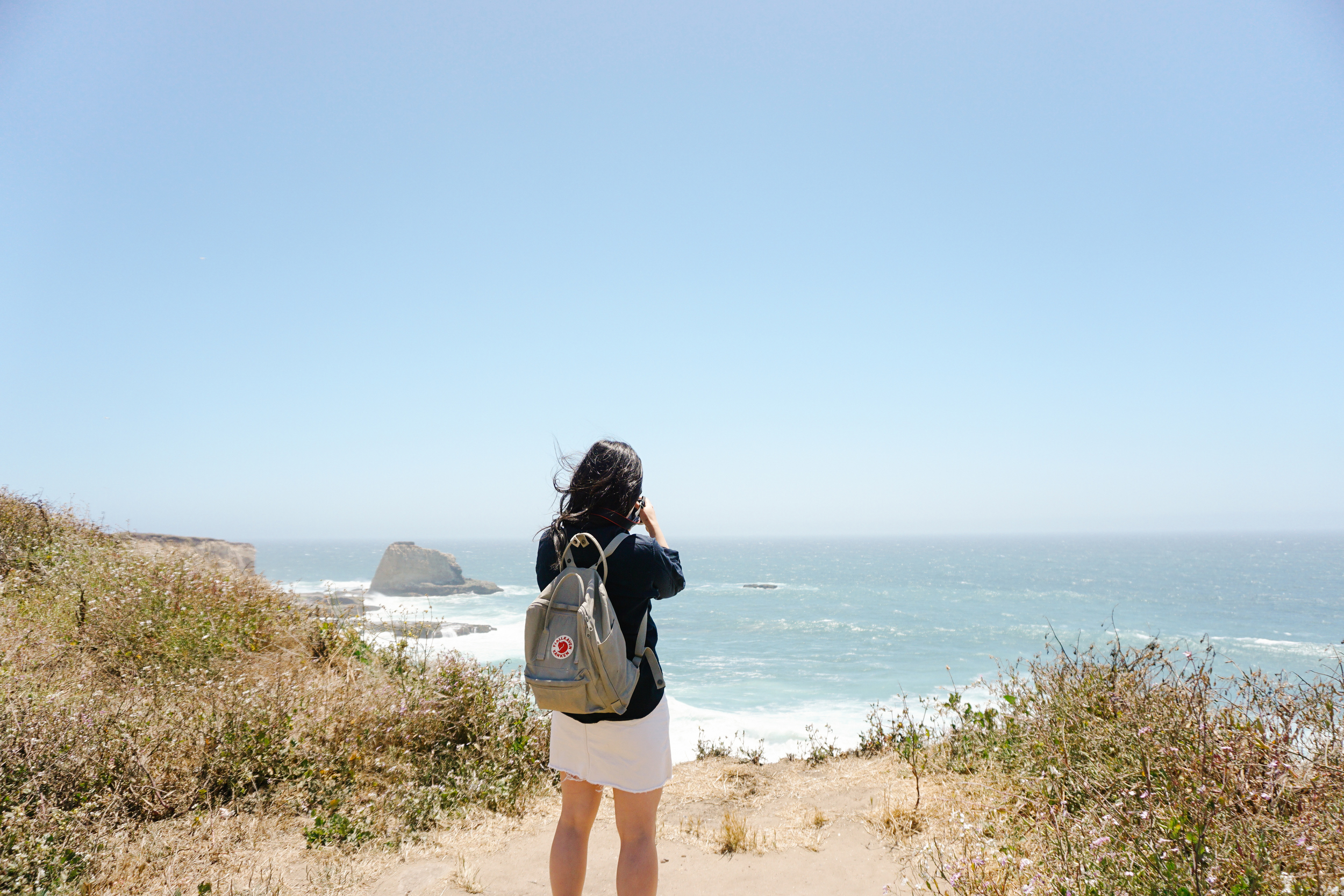 Mariel and the beautiful ocean.  P.S. Seeing these pictures makes me want to buy a   Kanken   backpack! Someone stop me!