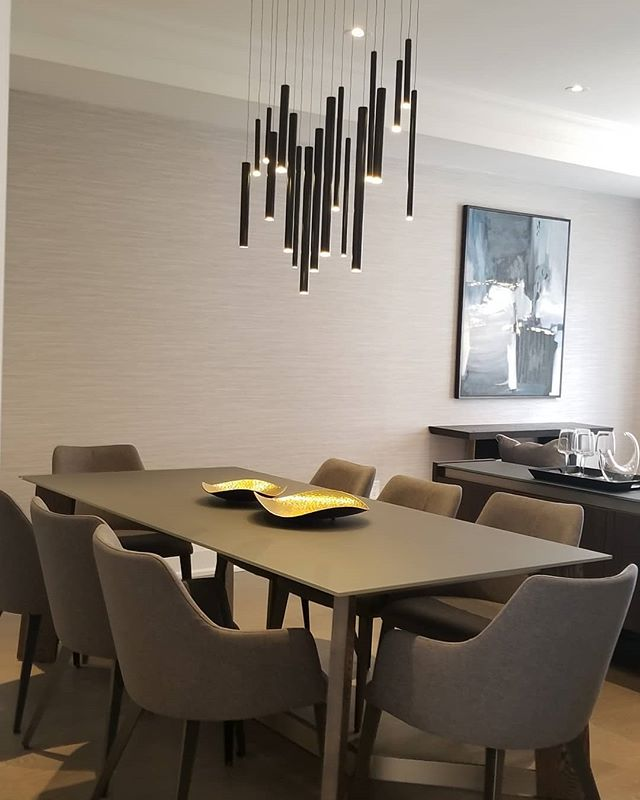 Simple and elegant. . . #homestaging #condostaging #lifestyle #realestate #stagingideas #homedecor #furniture #details #designconsultant #homestagingconsultant