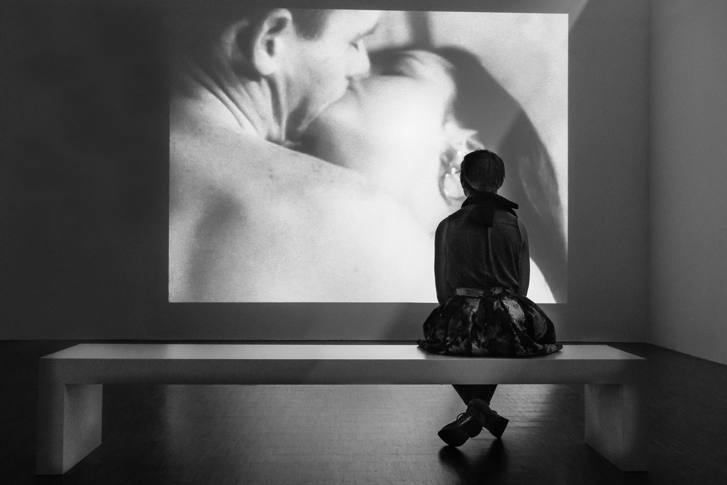 THIRD PLACE  - Eric Davidove | Kissing Large | Photography