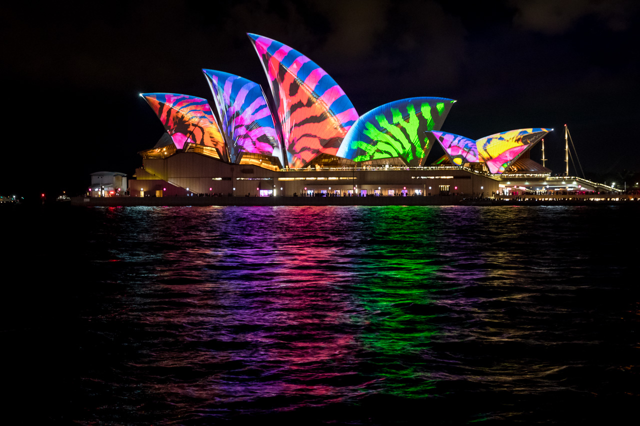 Lighting the Sails_Sydney Opera House_credit_Daniel Boud_002.jpg