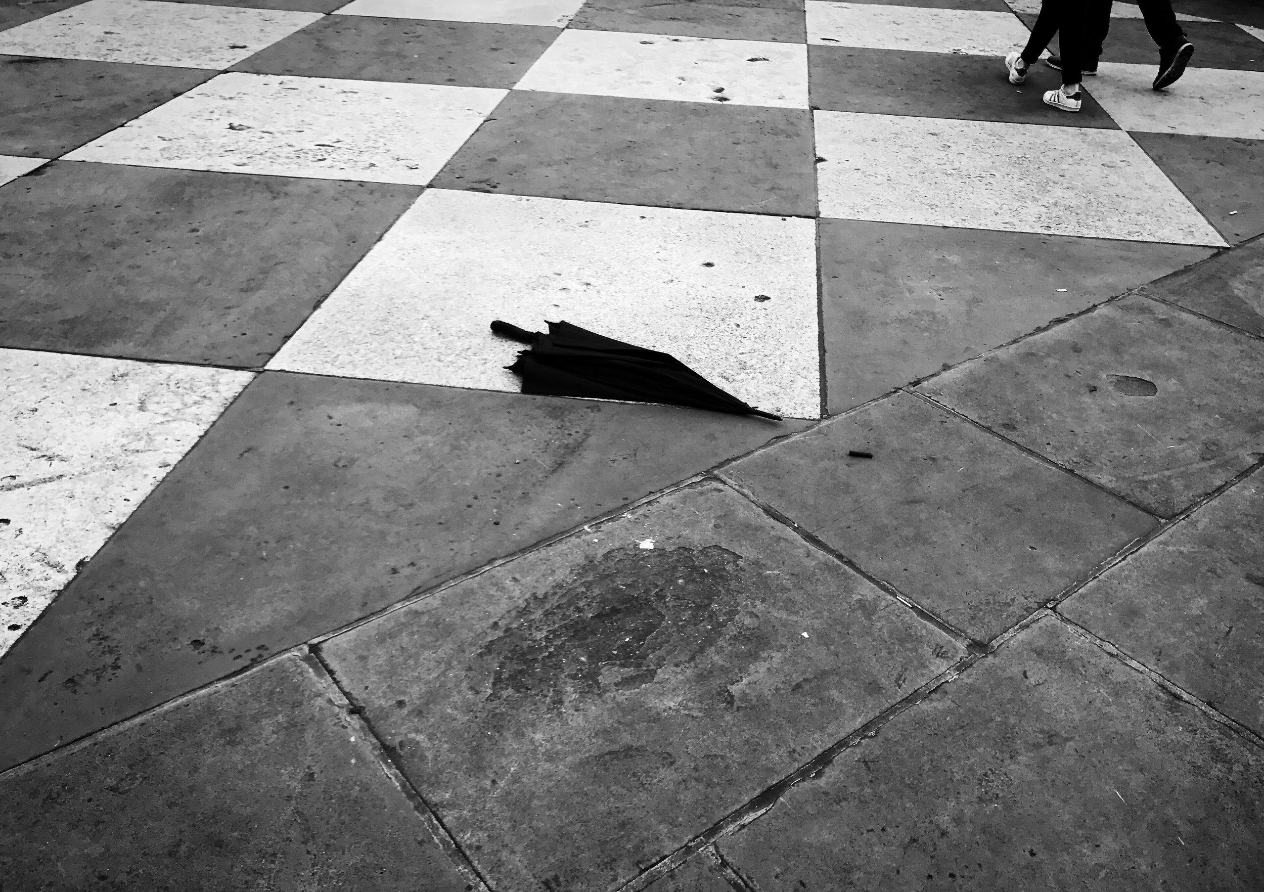Abandoned_Umbrella_Tralfalgar_London.jpg