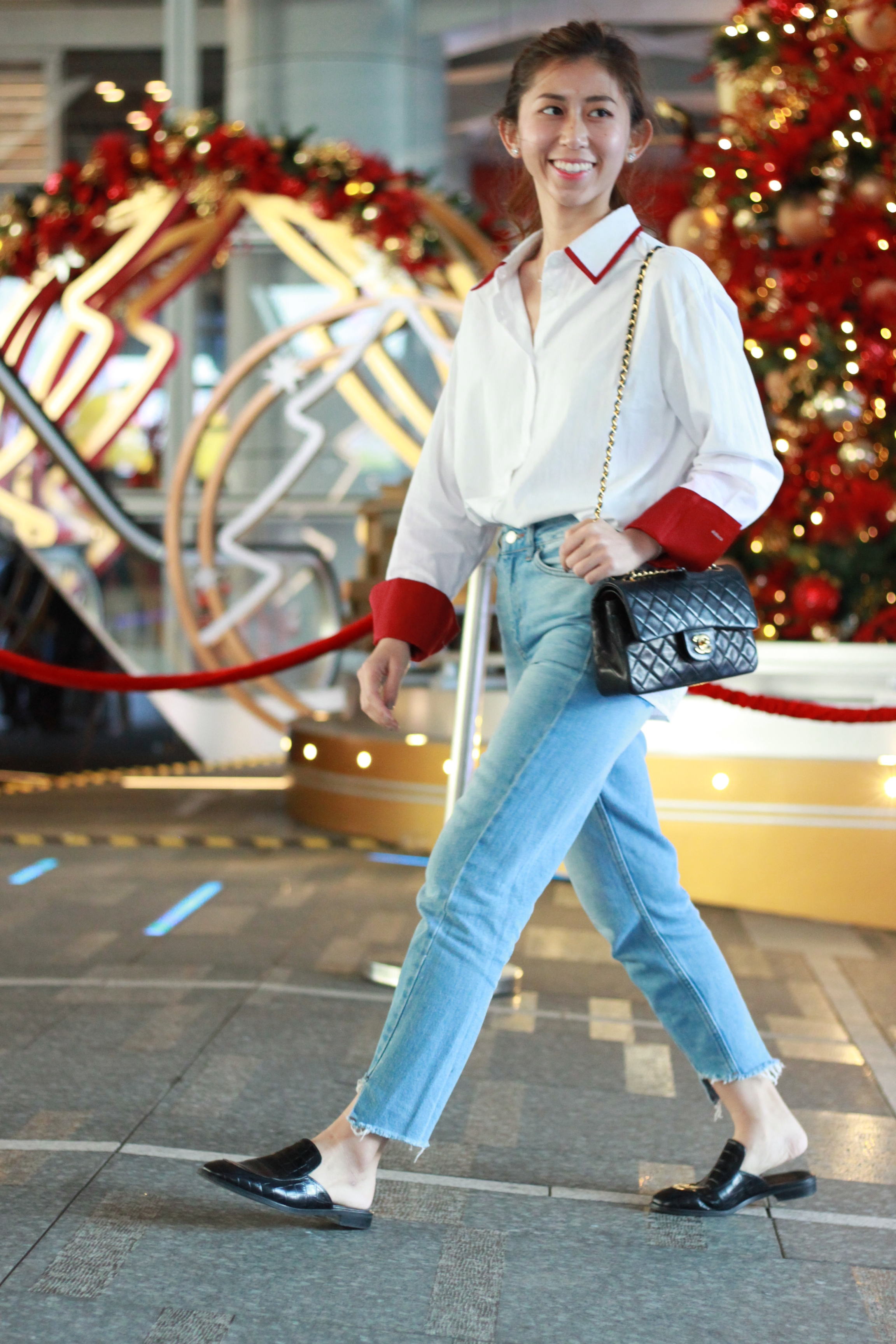 Red sleeves oversized shirt /  Topshop MOM jeans  / Giordano Ladies black slides / Chanel classic flap