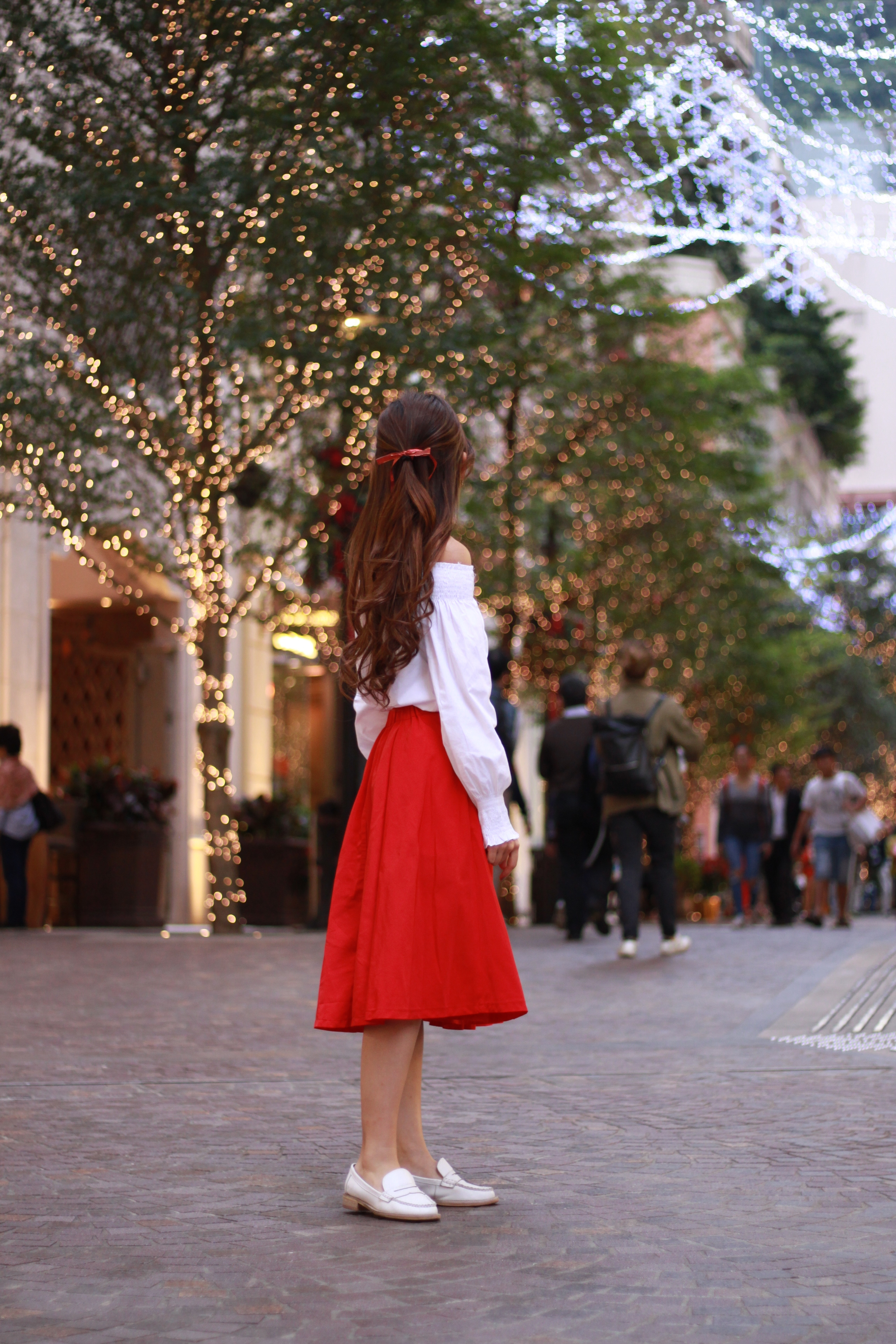 Zara white top /  Amber  red midi / Placebo white loafers / YSL red wallet