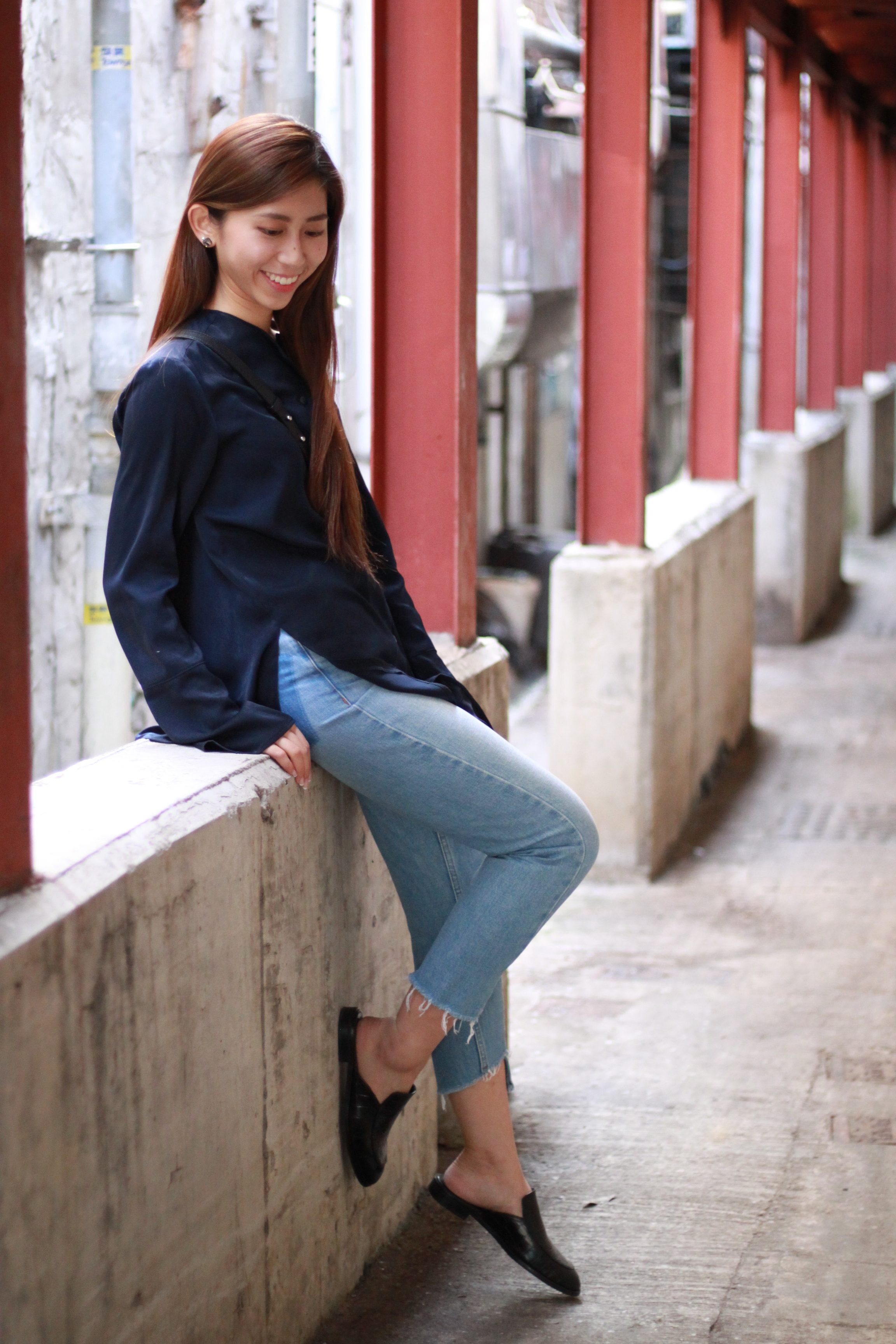 #Nude blue shirt / Topshop MOM jeans / Giordano Ladies black slides / Chanel Boy