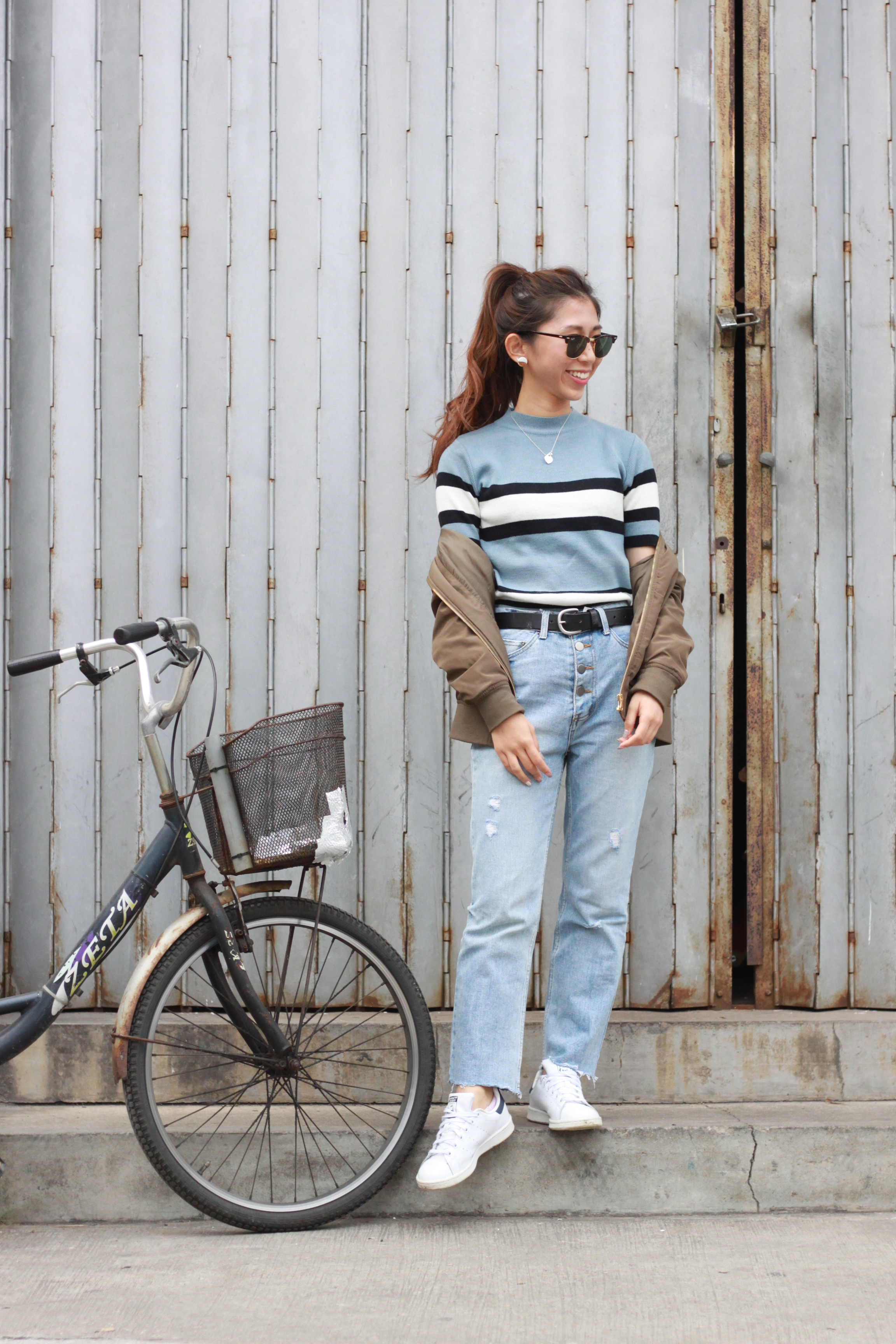 Vintage top from Mum / #Nude flared jeans / Adidas Stan Smith / PULL&BEAR bomber jacket / Levi's black belt / Rayban club master /  DearPostman Full/half earrings