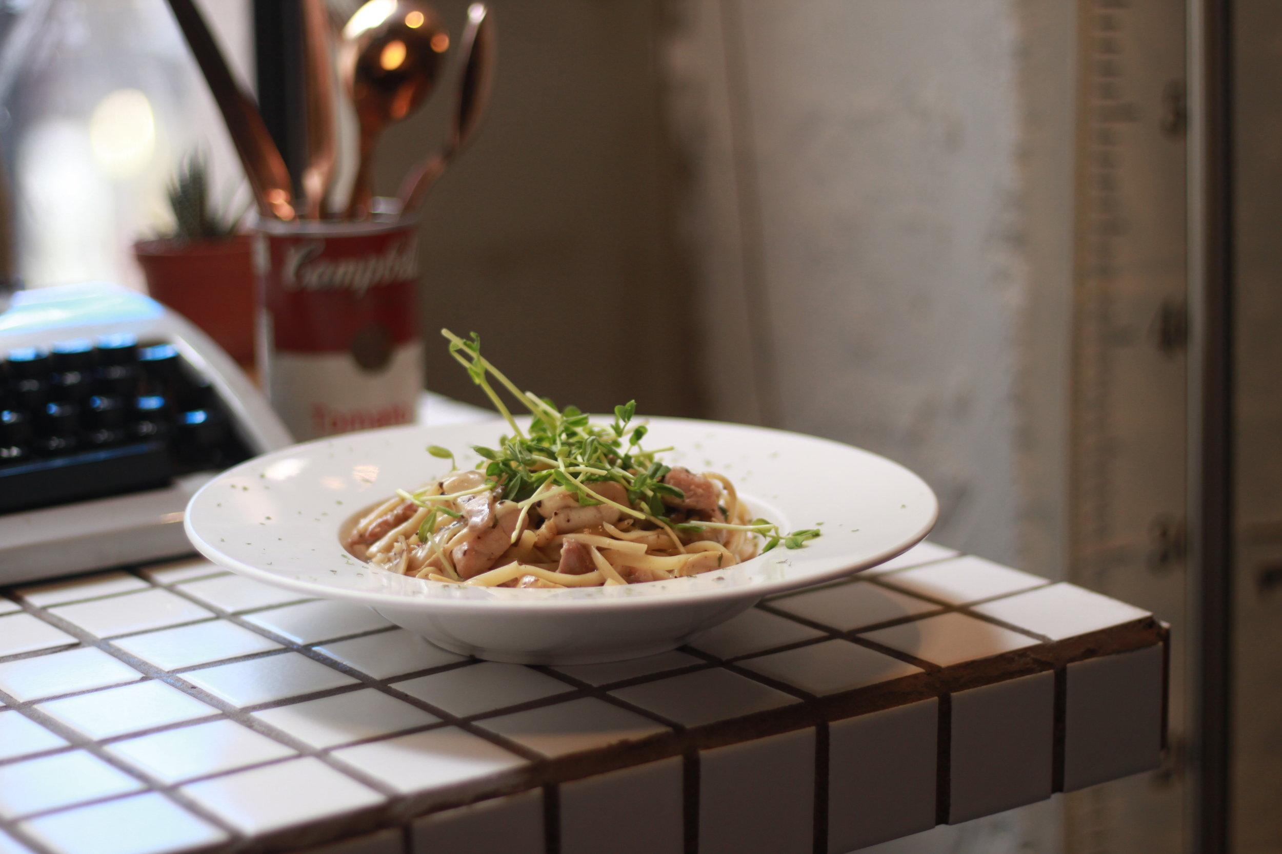 Chicken Spaghetti in Percine and Truffle Cream Sauce