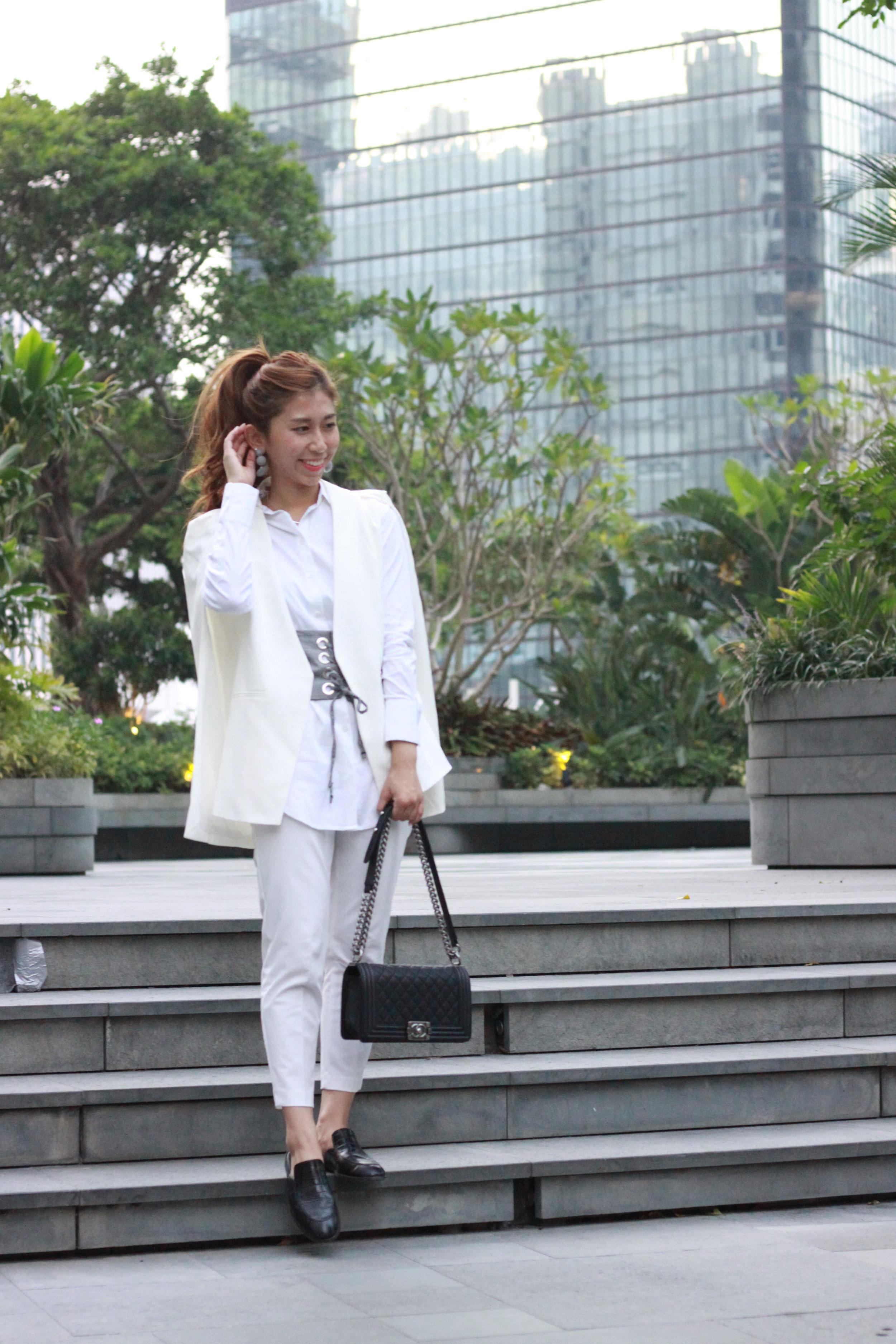 Alice cape blazer / Theory white shirt / Korea white pants / Giordano Ladies black leather slides /  Zara checkered corset  / Chanel boy /  Zara checkered earrings
