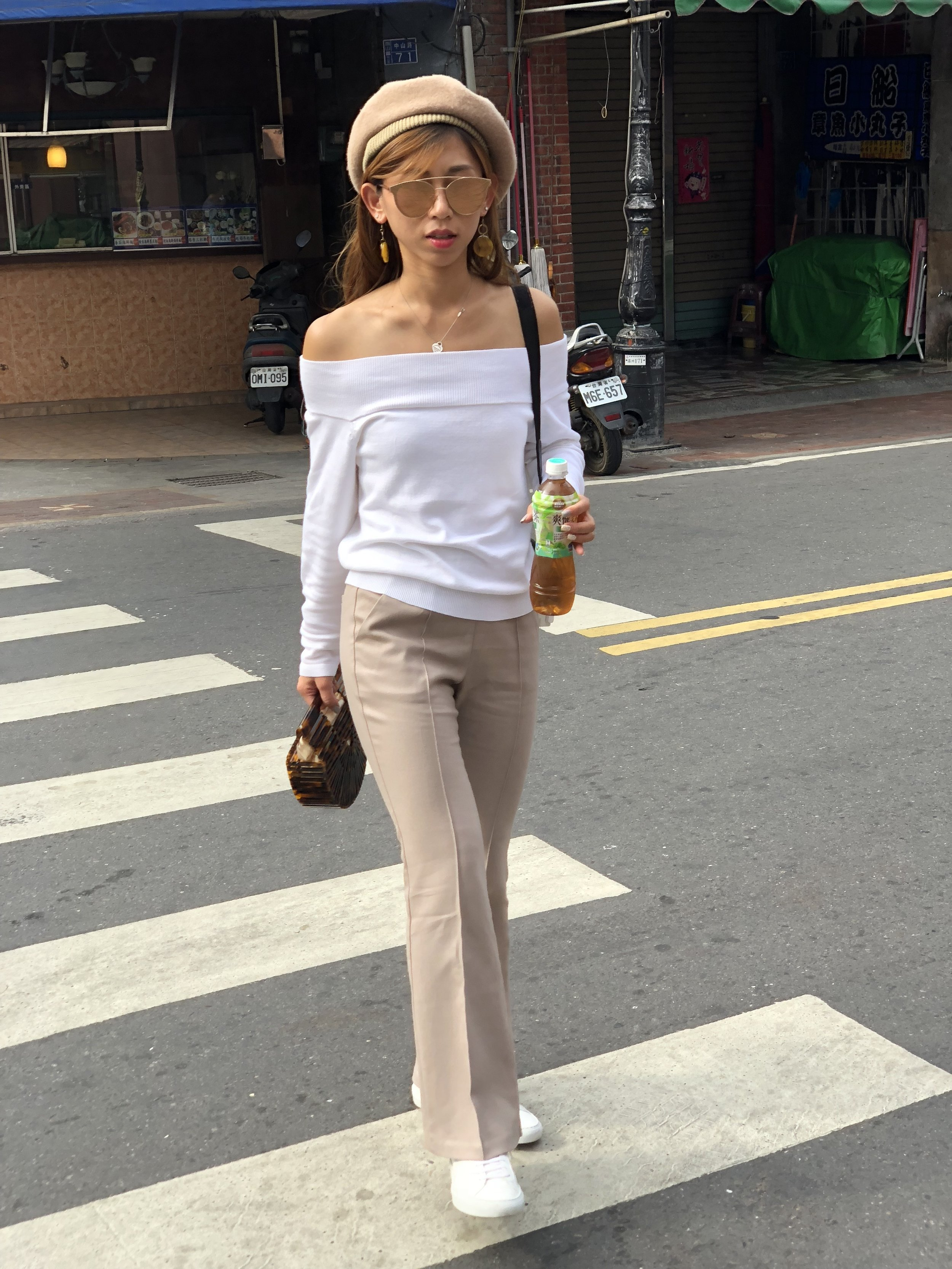 B+ab white top /  StudioDoe beige flared pants  /  Common Projects classic lace-up sneakers (glossy)  /  Cult Gaia acrylic ark - tortoise (mini)  /  Gentle Monster Last Bow 03(pm)  / Beret from Taiwan