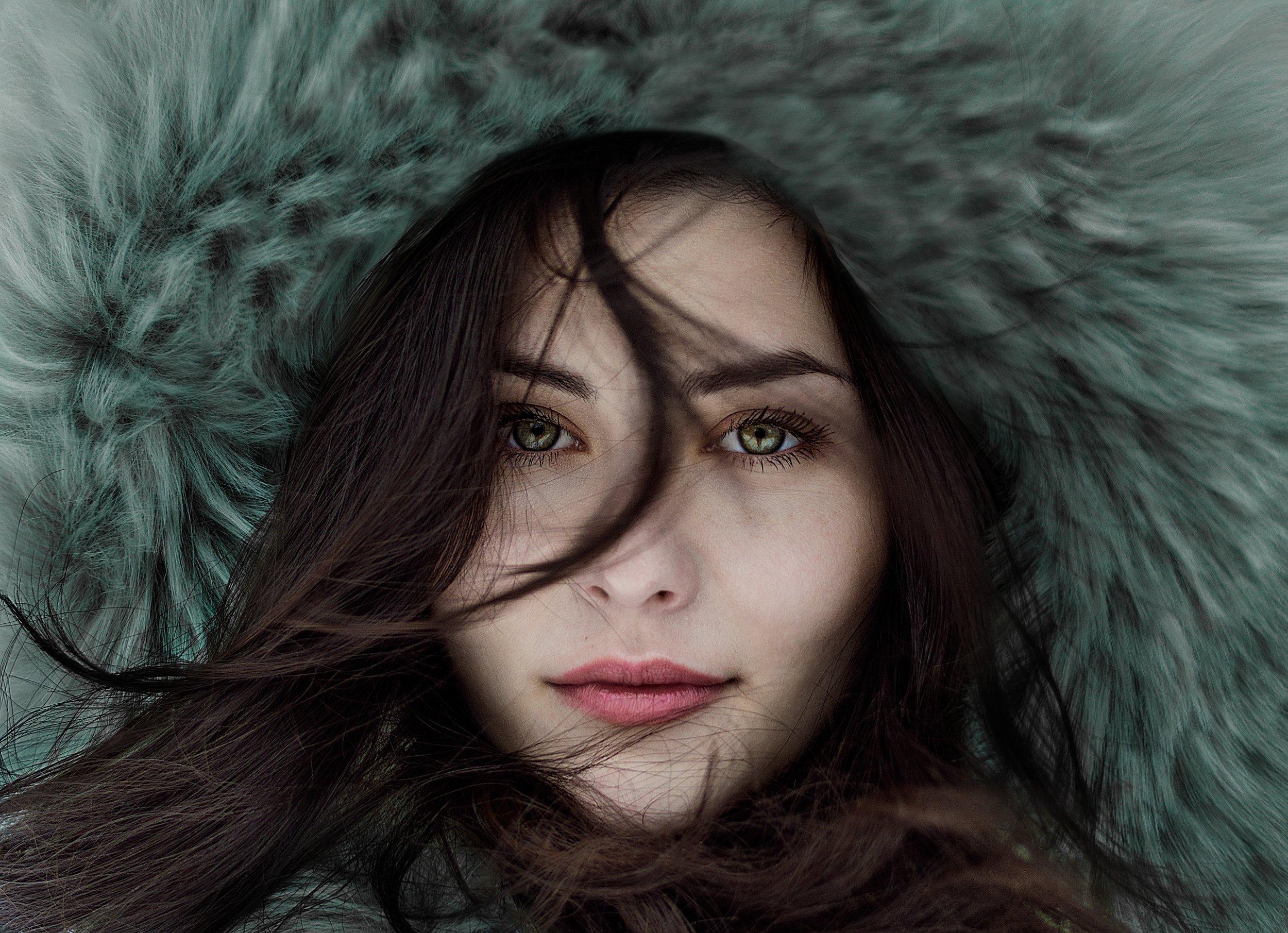 Winter girl - green eyes.jpg