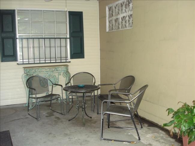 1_courtyard2.jpg