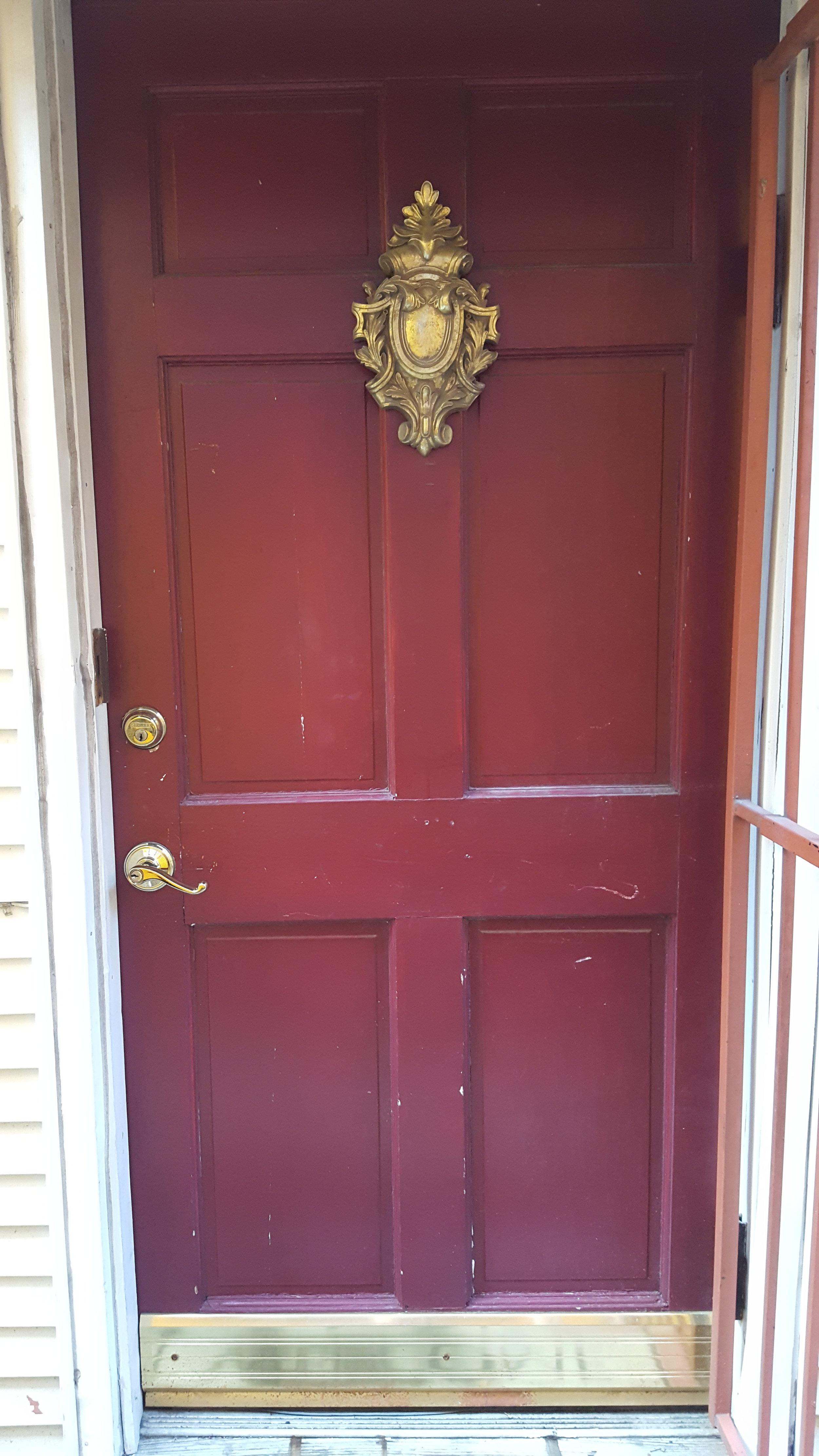 Suite2-Entry_Door.jpg