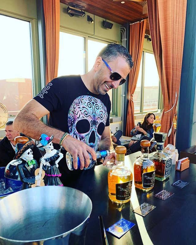 Pouring El Fogonero's collection of small-batch artisanal tequilas at The Via Hotel Rooftop in SF 💀🇲🇽🥂#elfogonerotequila #sipdontshoot #thebesttequila #premiumtequila #agave #extraanejo #cincodemayo