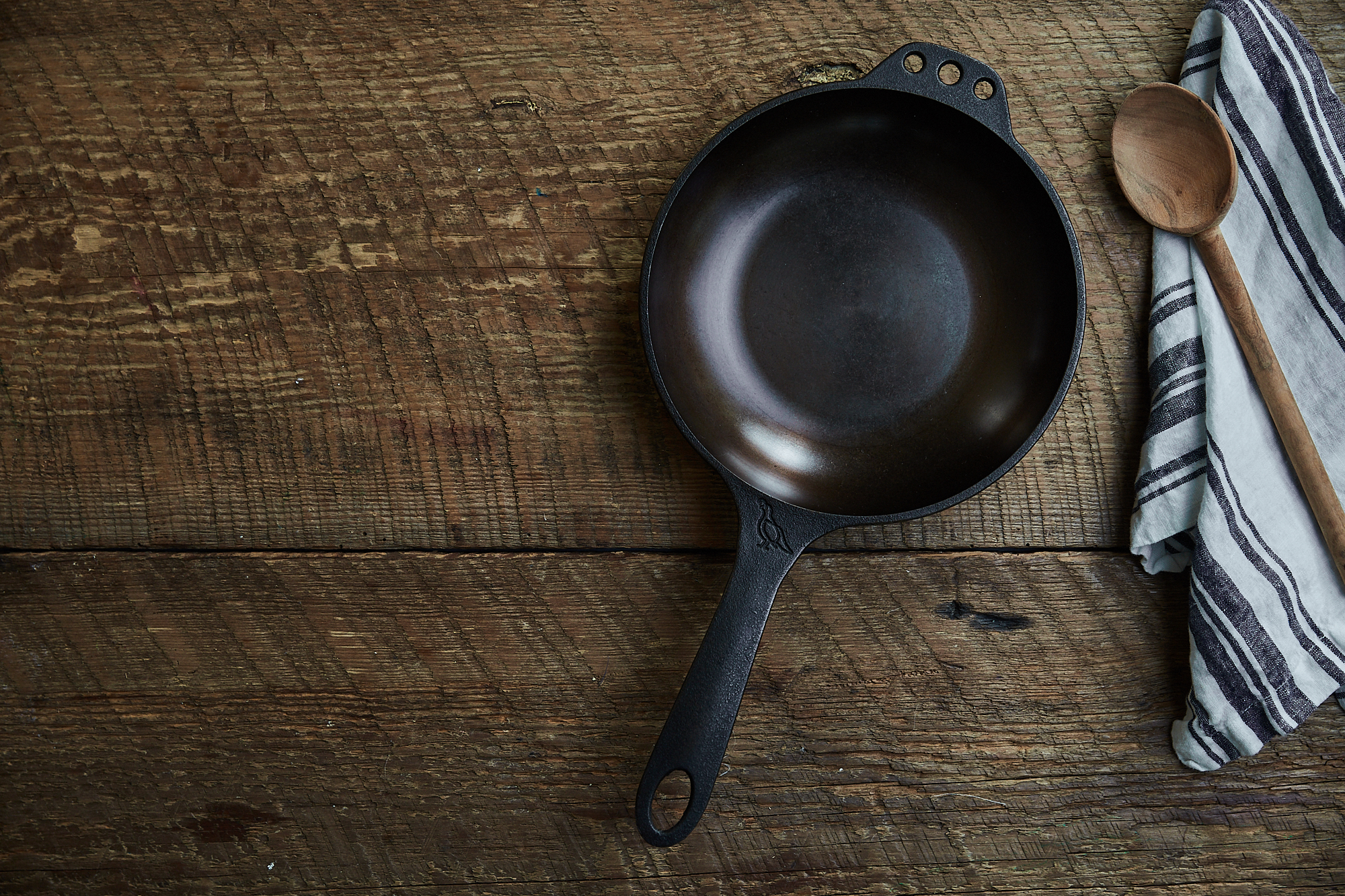 Smithey Cast Iron Skillet / Deep South Social