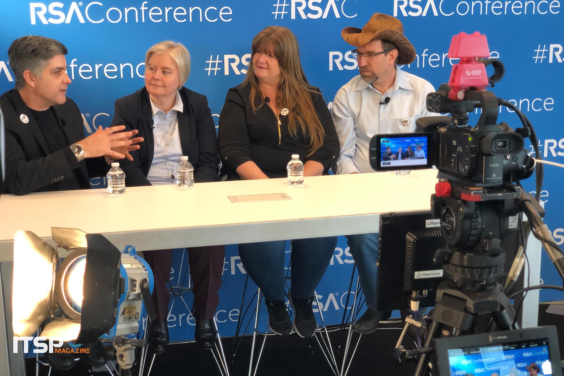 Sean Martin, Sian John (Microsoft), Candy Alexander (ISSA Int'l), Allan Alford (Mitel) (  watch the video  )