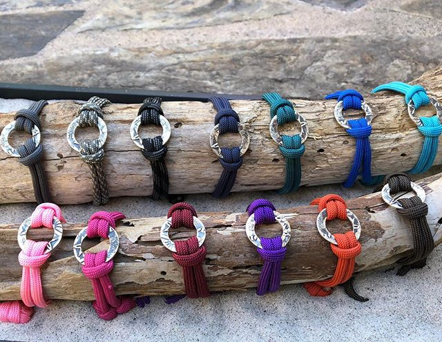 Today is National Give Something Away Day! 🙏  I am very passionate about choosing and sharing good vibes!  Please join me! TAG a friend you would like to give good vibes to and WIN this GOOD VIBES BEACH BRACELET!! ❤️ 👫 😍. Feel free to mention the color you would #choose for them! 😍 . . Random draw of all tags. Until midnight. US only please. . . . . #choosegoodvibes #nationalgivesomethingawayday #sharegoodvibes#giveaway #free #giveawaycontest #amlingdesigns #amling #amlingjewelry #goodvibes #goodvibesonly #oceaninspiration #ocean #oceanlove #santacruz #santacruzlife #madeincalifornia #madewithlove #beach #beachtherapy #beachart #handcrafted #oneofakind #love #waterlover #meaningfulgifts #handmadegifts #corporategifts