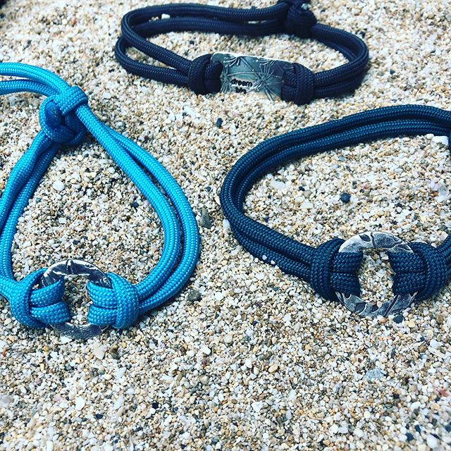 Good Vibes Beach Bracelets On the beach 😘🏖😜. #choosegoodvibes every day! 🧘♀️ 🙏. This is my favorite gift for friends... if they are in need of special #tlc or not... there are never too many #goodvibes 💙 . . . . . . . . #amlingdesigns #amling #amlingjewelry #goodvibes #goodvibesonly #oceaninspiration #ocean #oceanlove #santacruz #santacruzlife #madeincalifornia #madewithlove #beach #beachtherapy #beachart #handcrafted #oneofakind #love #waterlover #meaningfulgifts #handmadegifts #corporategifts