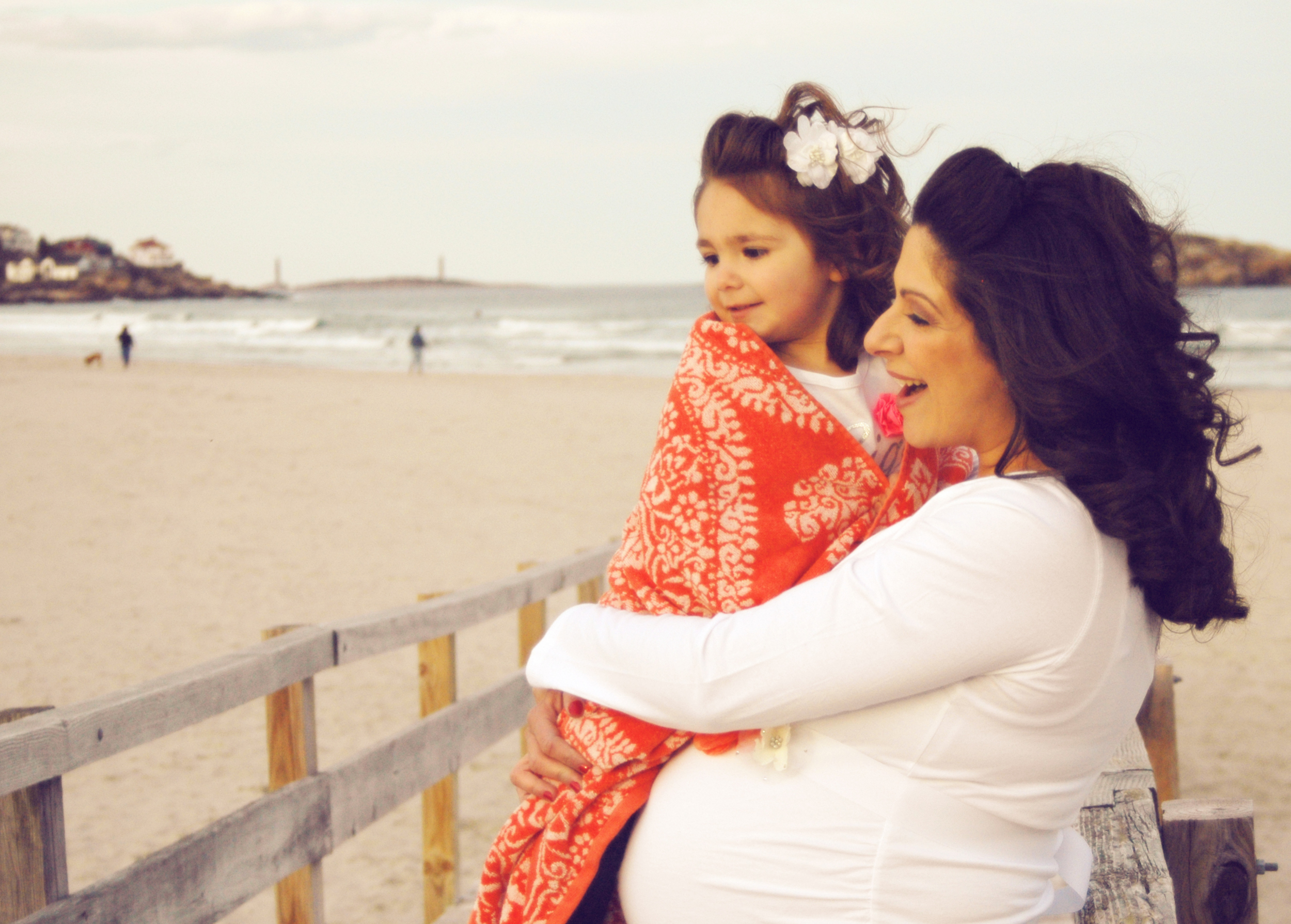 mother-daughter-maternity-beach-portrait
