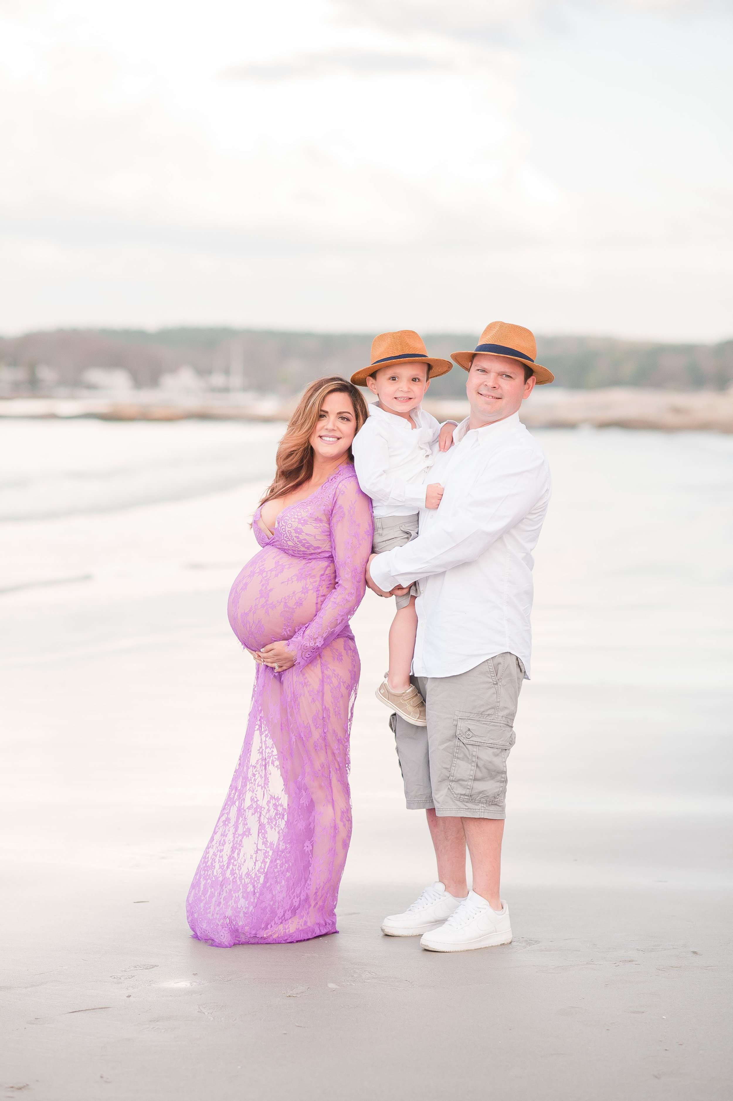 Jenna and Rob Wingaersheek beach maternity-6.jpg