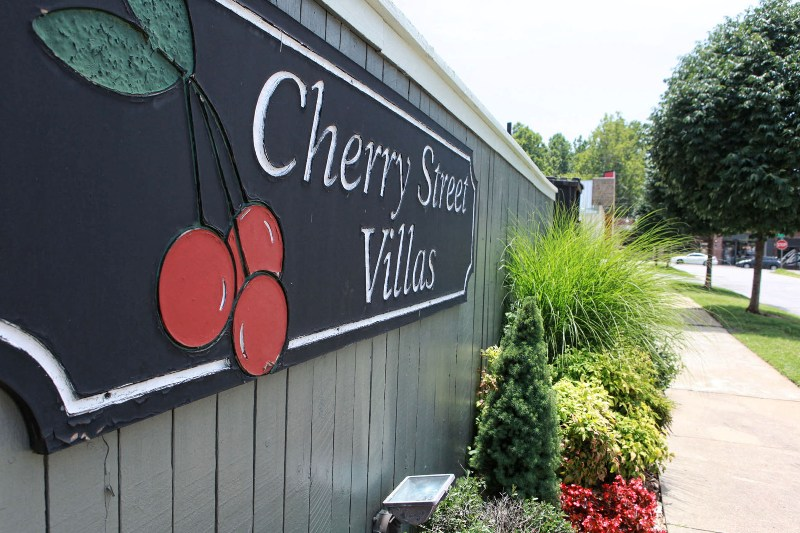 Cherry Street Villas Apartments in Midtown Tulsa