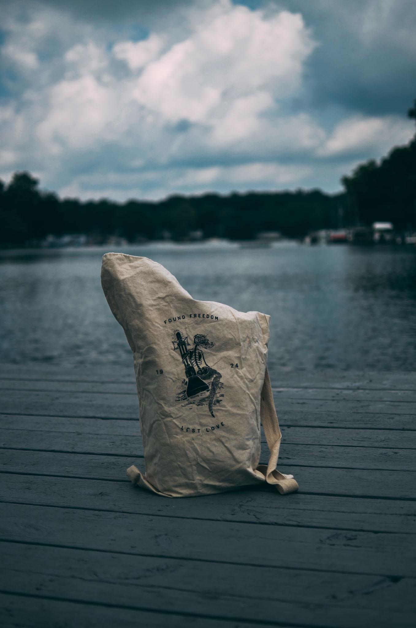 Damn_Handsome_Navy_bag-18.jpg