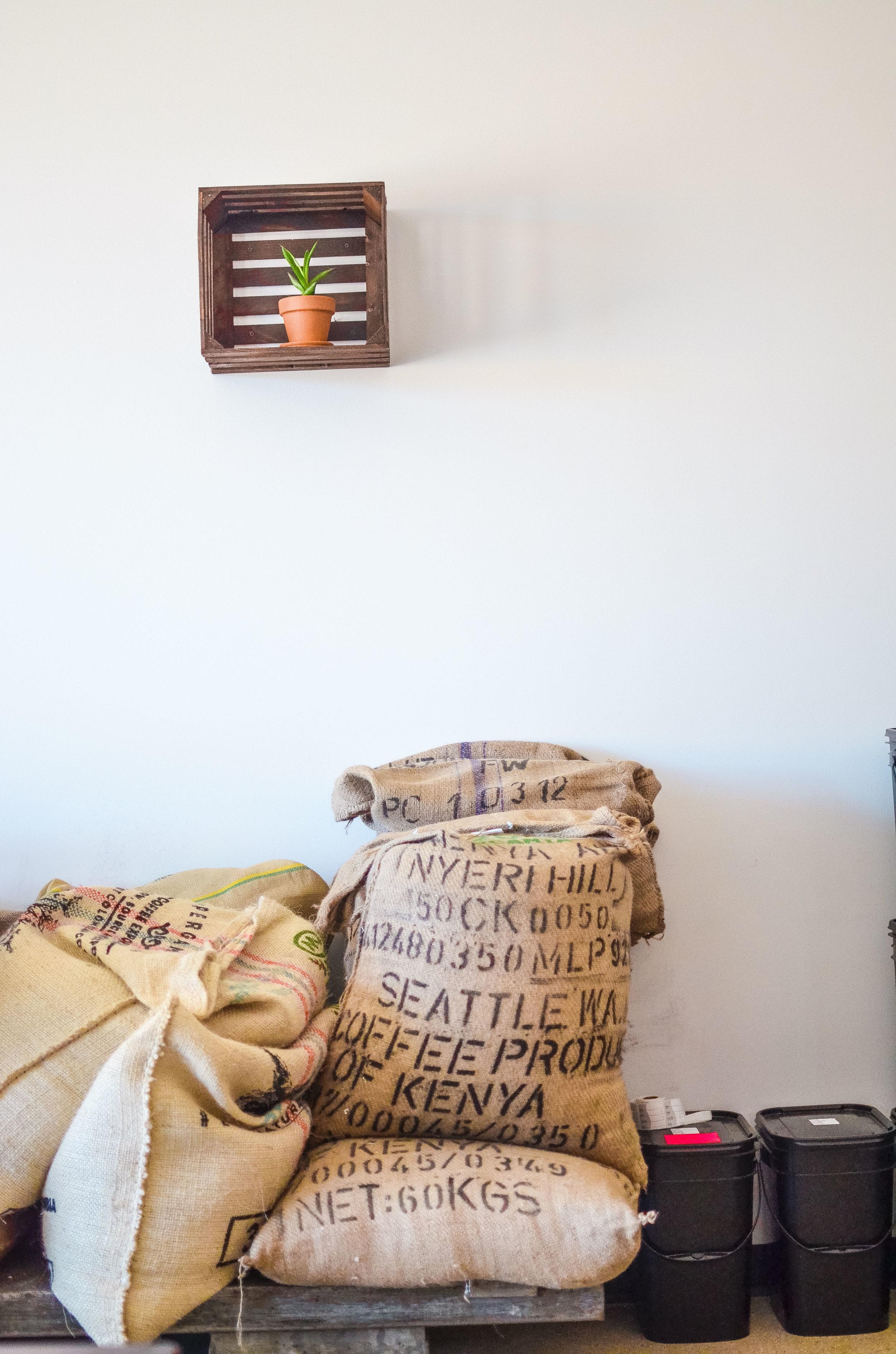 Wendling_Boyd_Mundos_Coffee_Roasters_Traverse_City-16.jpg