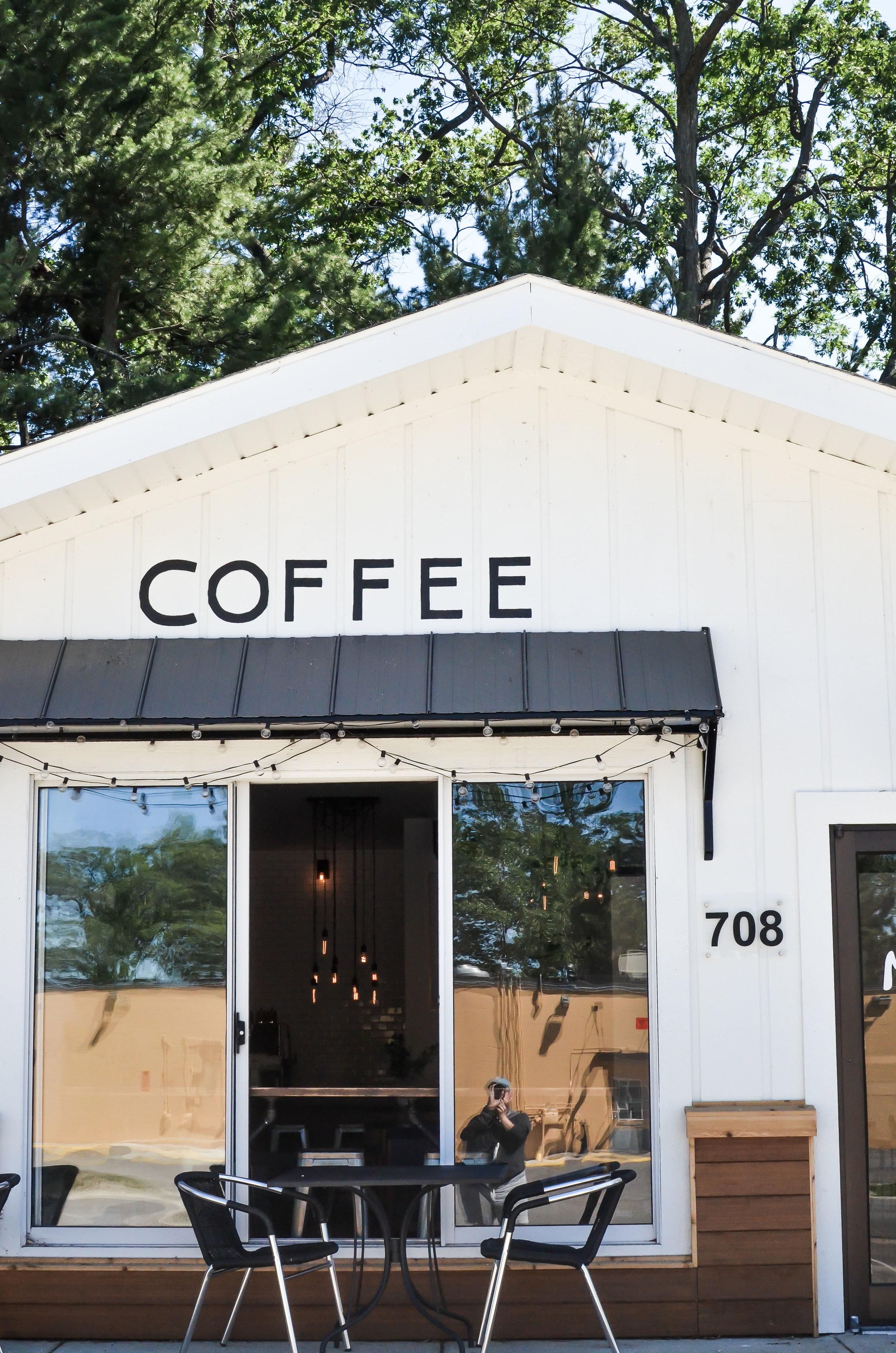 Wendling_Boyd_Mundos_Coffee_Roasters_Traverse_City-6.jpg