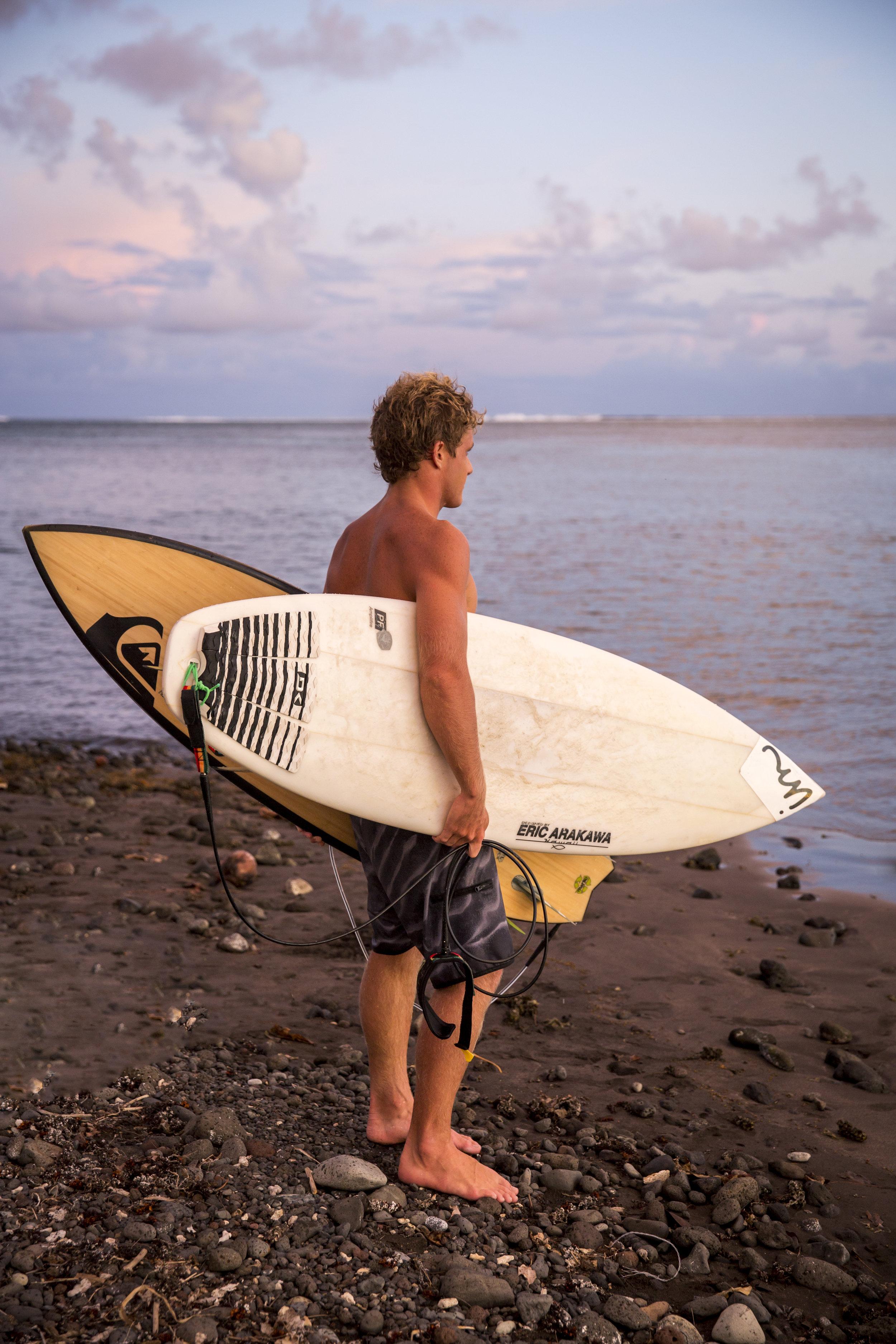 TashaVanZandt_02_Tahiti_BH6A3188.jpg