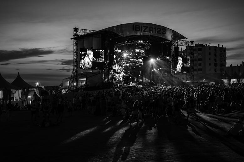 Festival B&W.jpg