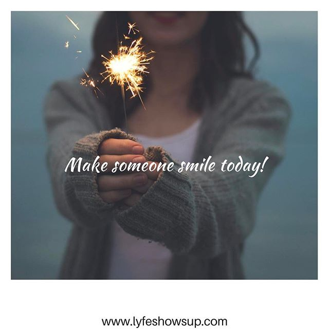 It doesn't take a lot of effort to make someone smile...😁 #smile #happy #positivevibes #love #grow #together #livelife #journey #friends #igers #igdaily #igblogger #instablog #blog #blogger #lyfeshowsup #writer #like #share #follow