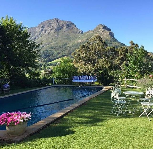 We have 3 guest cottages on the farm with full access to the garden, pool, winery and @cafe_pave_sa . Pay us a visit if you're in the area. . . . #camberlwines #camberley #winefarm #wine #cottagestyle #view #stellenbosch #accommodation #cafe