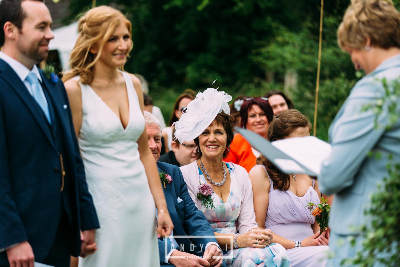 Wistanstow Village Hall Wedding Photography-074.jpg
