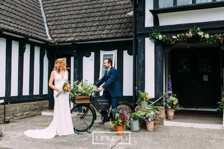 Wistanstow Village Hall Wedding Photography-128.jpg