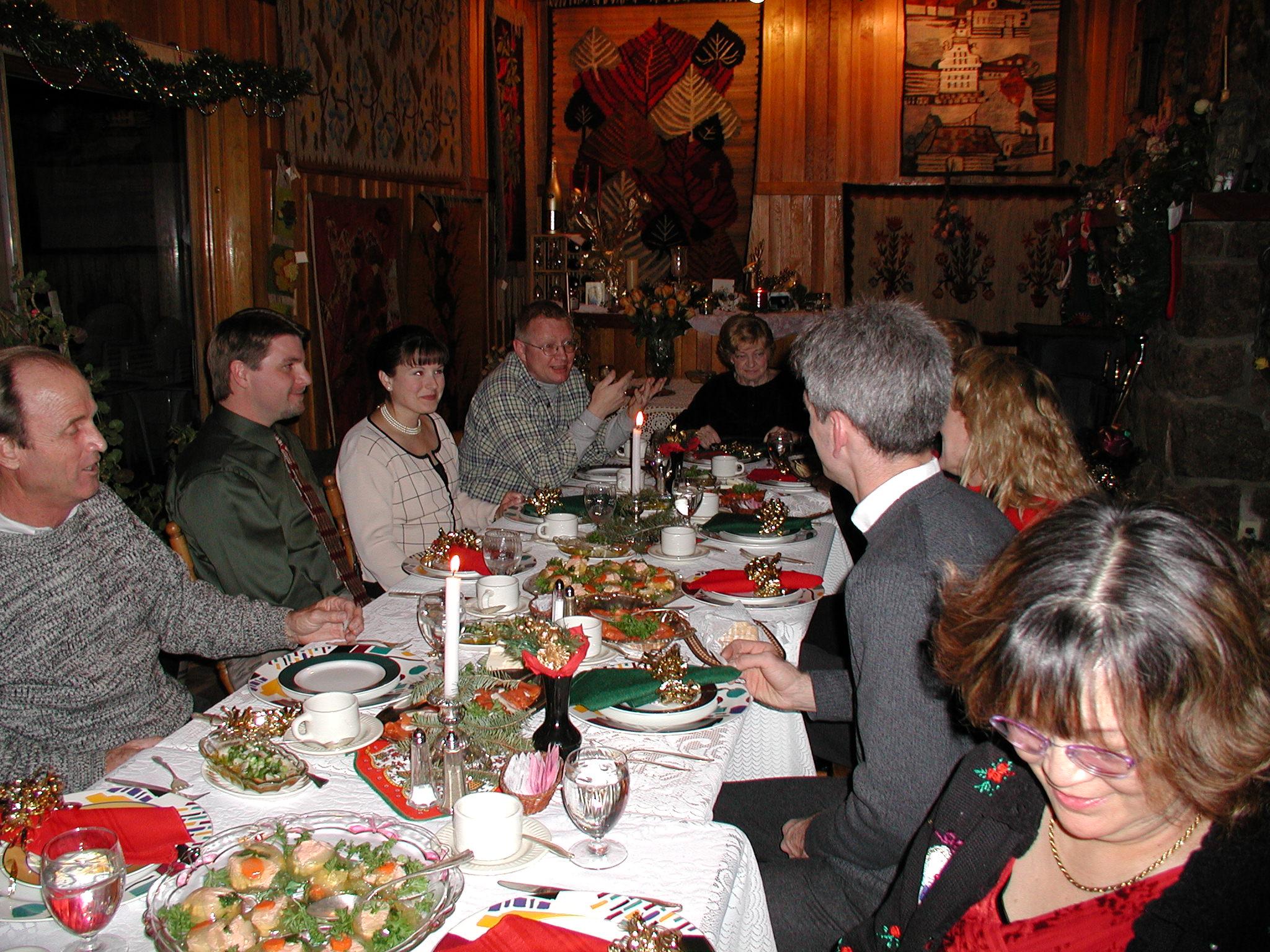 Christmas table2.JPG