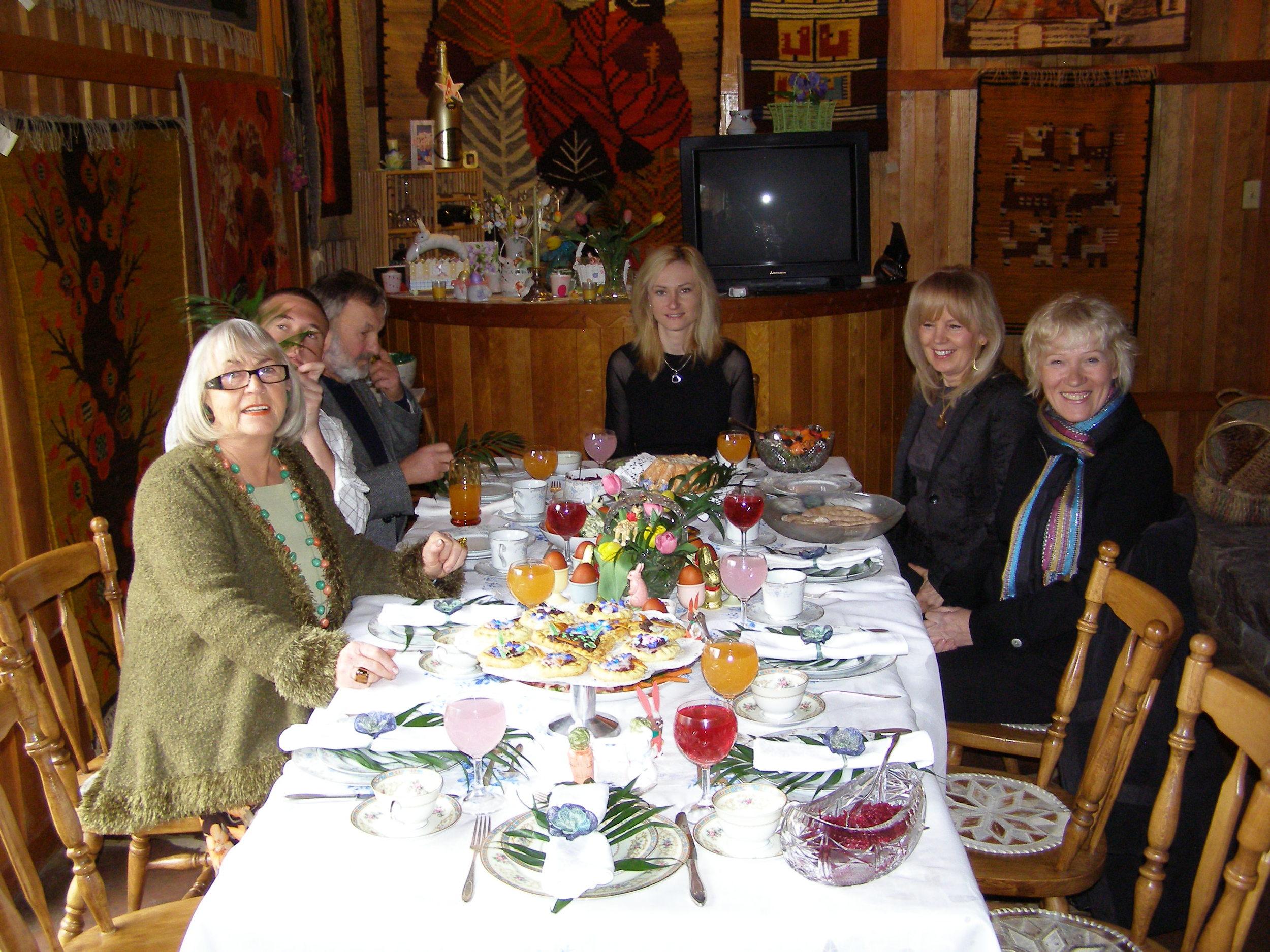 Easter table4.JPG