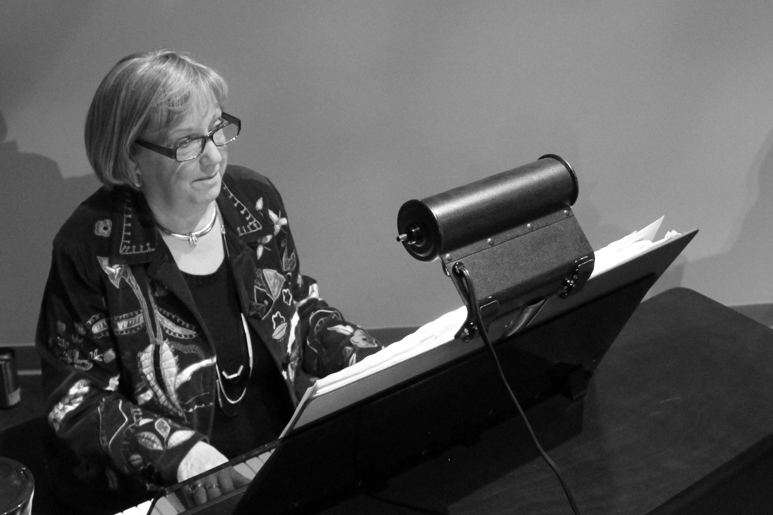 Allegra Baker; Organ