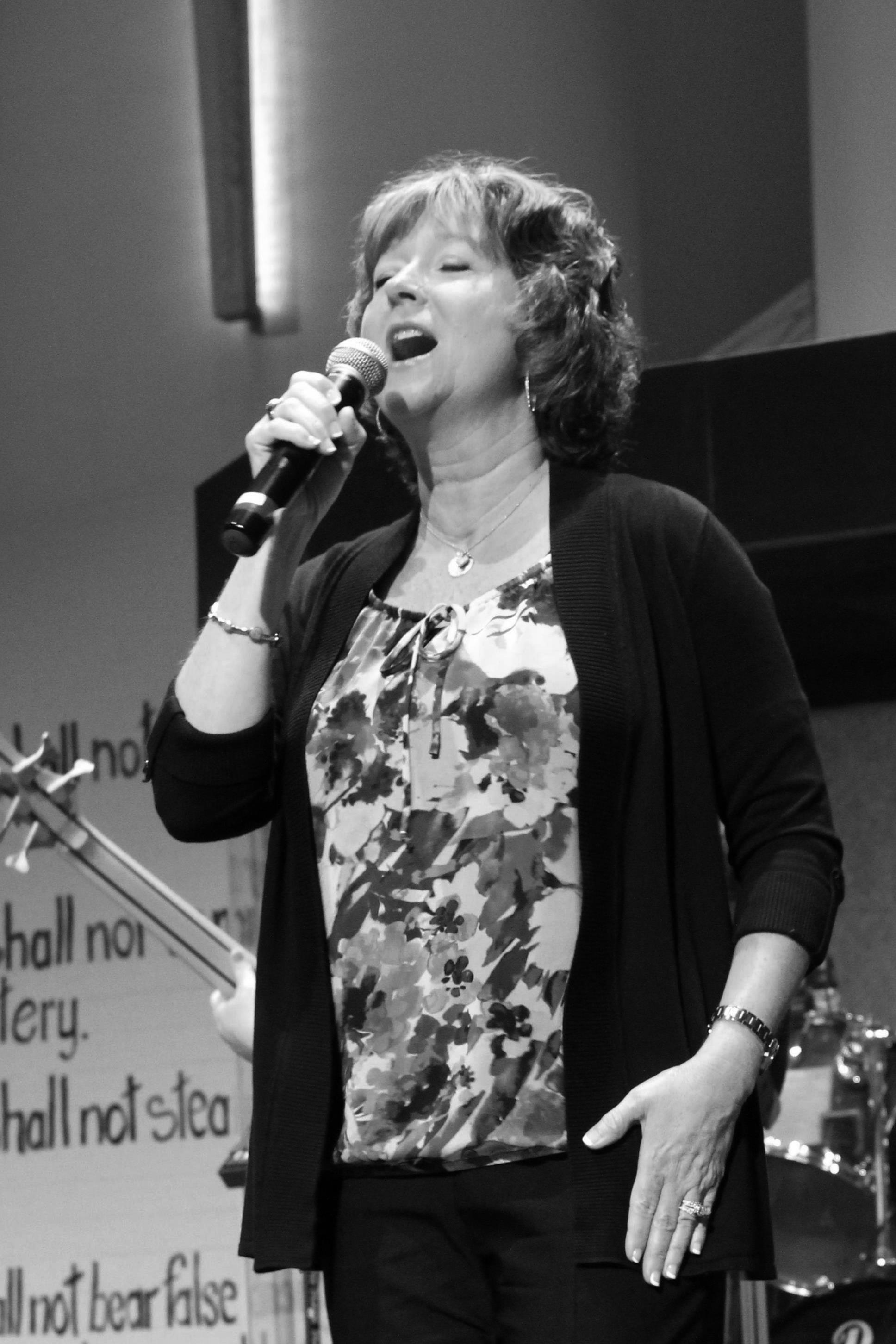 Vicki Moss; Vocalist