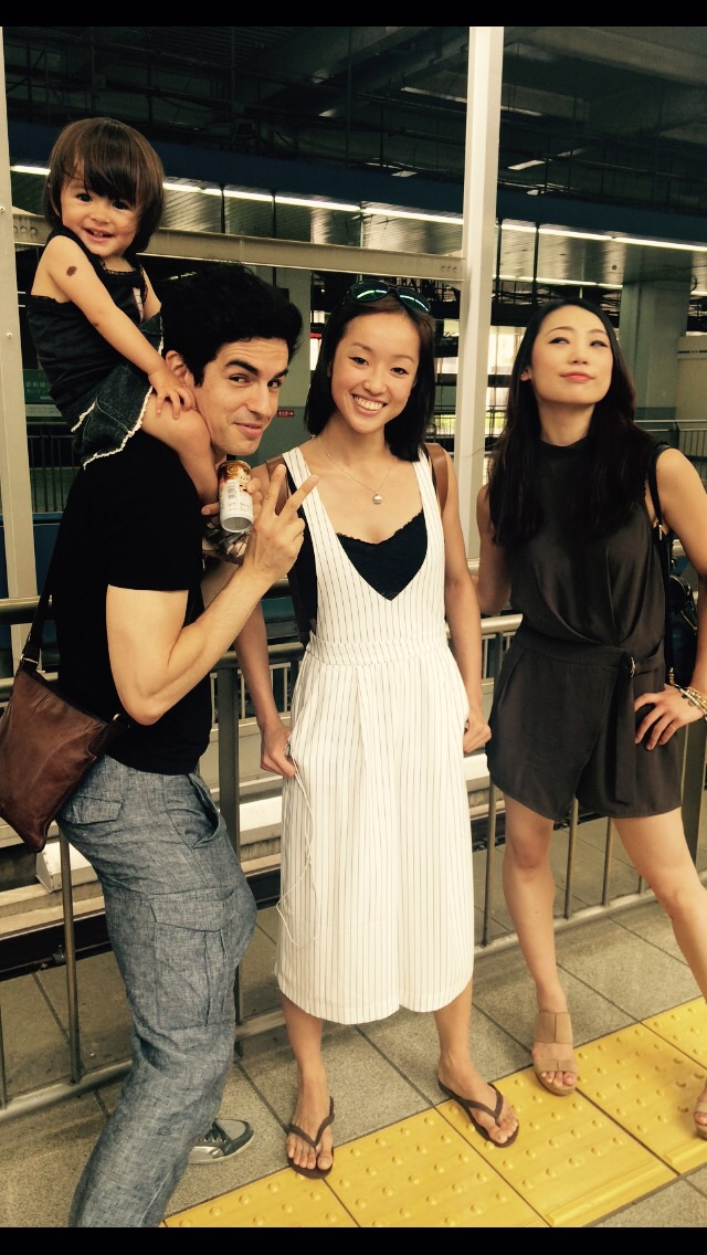 Juna, Federico, Chi & Mariko. Juna steels the limelight wearing a Baby Gap dress !!!