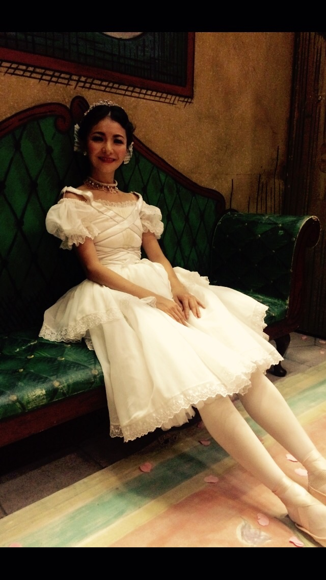 Yuhui in her wedding gown for act 2 Lise!