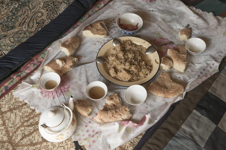 kyrgyzstan-picnic-tea-and-bread-jo-kearney-photography-video.jpg
