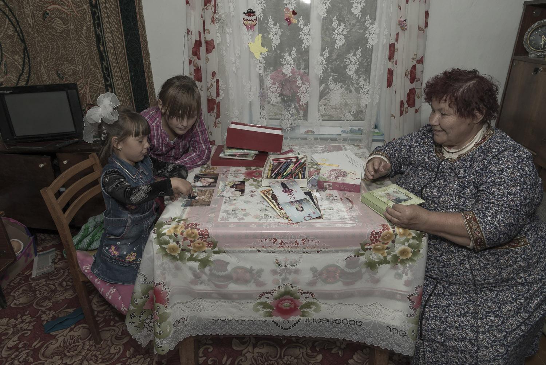 kyrgyzstan-Balykchy-grandparent-carers-soviet-union-children-home-soviet-home-jo-kearney-photography-video.jpg