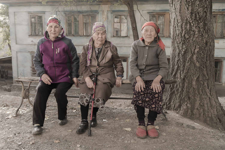 jo-Kearney-videojournalist-photographer-cheltenham-minkush-min-kush-old-women-kyrgz-Soviet-Union.jpg