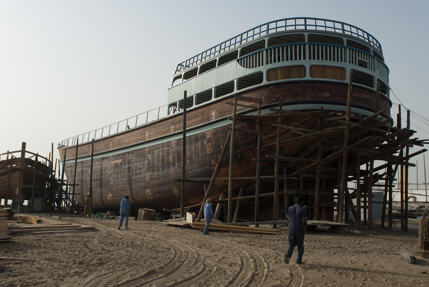 jo-kearney-dhow-building-dubai-migrant-worker-travel-photography.jpg.jpg