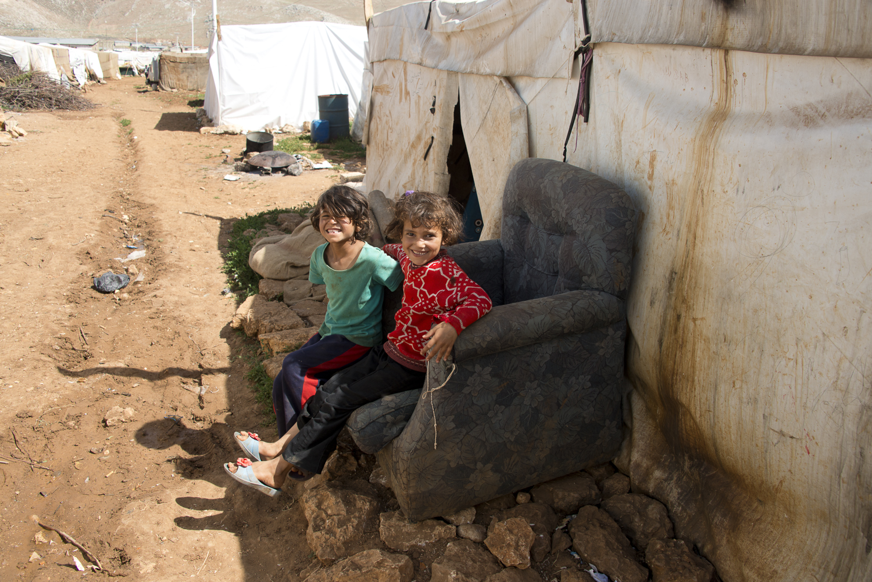 jo-kearney-photography-video-refugees-lebanon-bekaa-valley-syrian-refugees-girls.jpg
